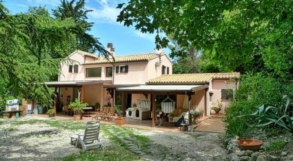 Restored farmhouse near Monte Conero