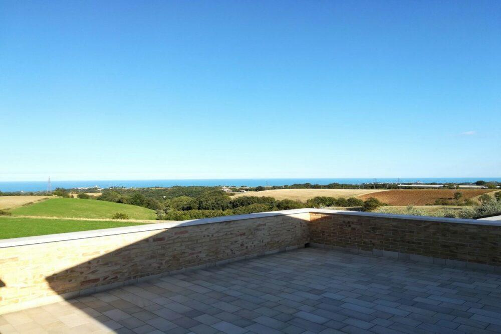 Prezzo ribassato-Villetta con 3 camere e splendida vista mare
