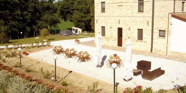 Struttura ricettiva ristrutturata,con ristorante, 7 camere e appartamento indipendente!