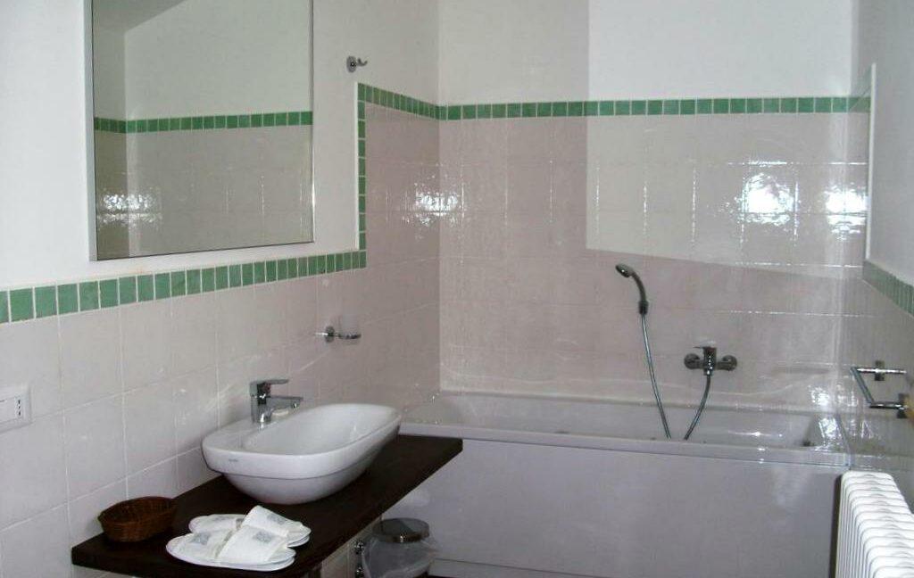 Casale con struttura ricettiva ristrutturata,7 camere e appartamento indipendente!