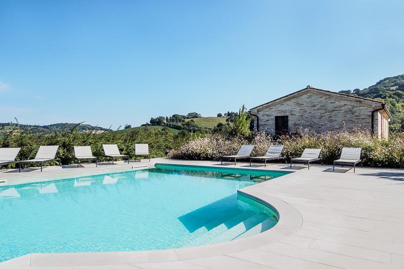 Presitigioso Casale, 7 camere, piscina,terreno, a 10 minuti dal mare