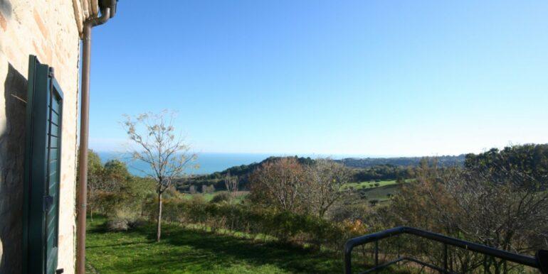 Casale con annesso. Posizione unica, vista mare e monti a 5 minuti da Porto San Giorgio
