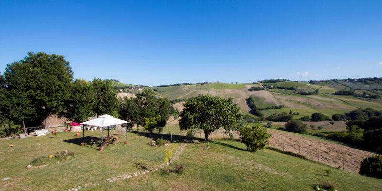 Casale con stupenda vista mare, 5 camere a 2 km da Porto San Giorgio