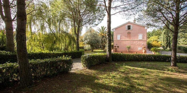 Casale di prestigio con piscina e terreno a Corridonia
