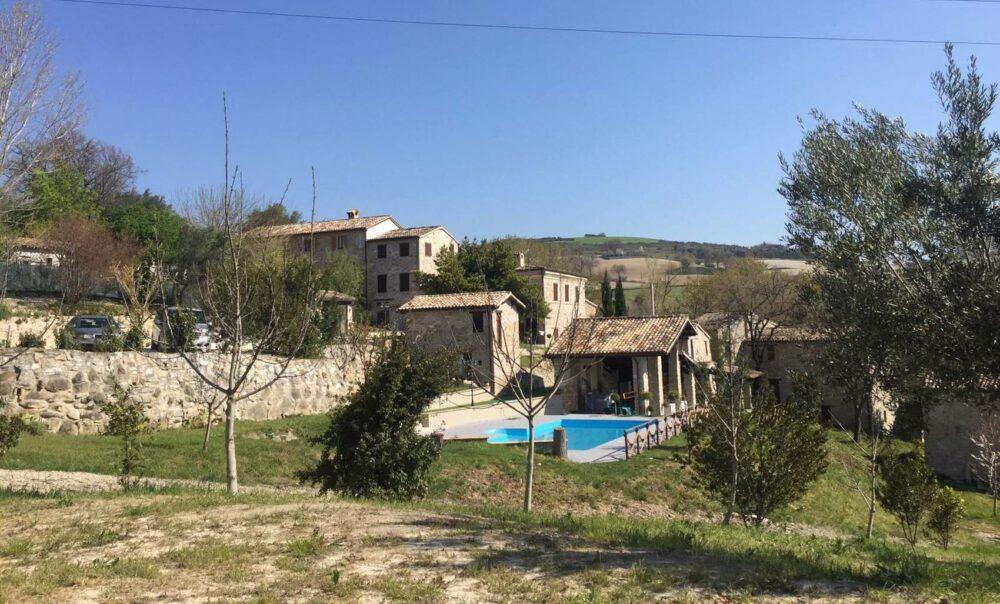 Importante riduzione di prezzo-borgo di 1000 mq a San Severino Marche