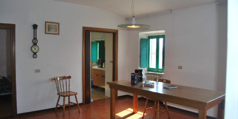 127_first floor kitchen