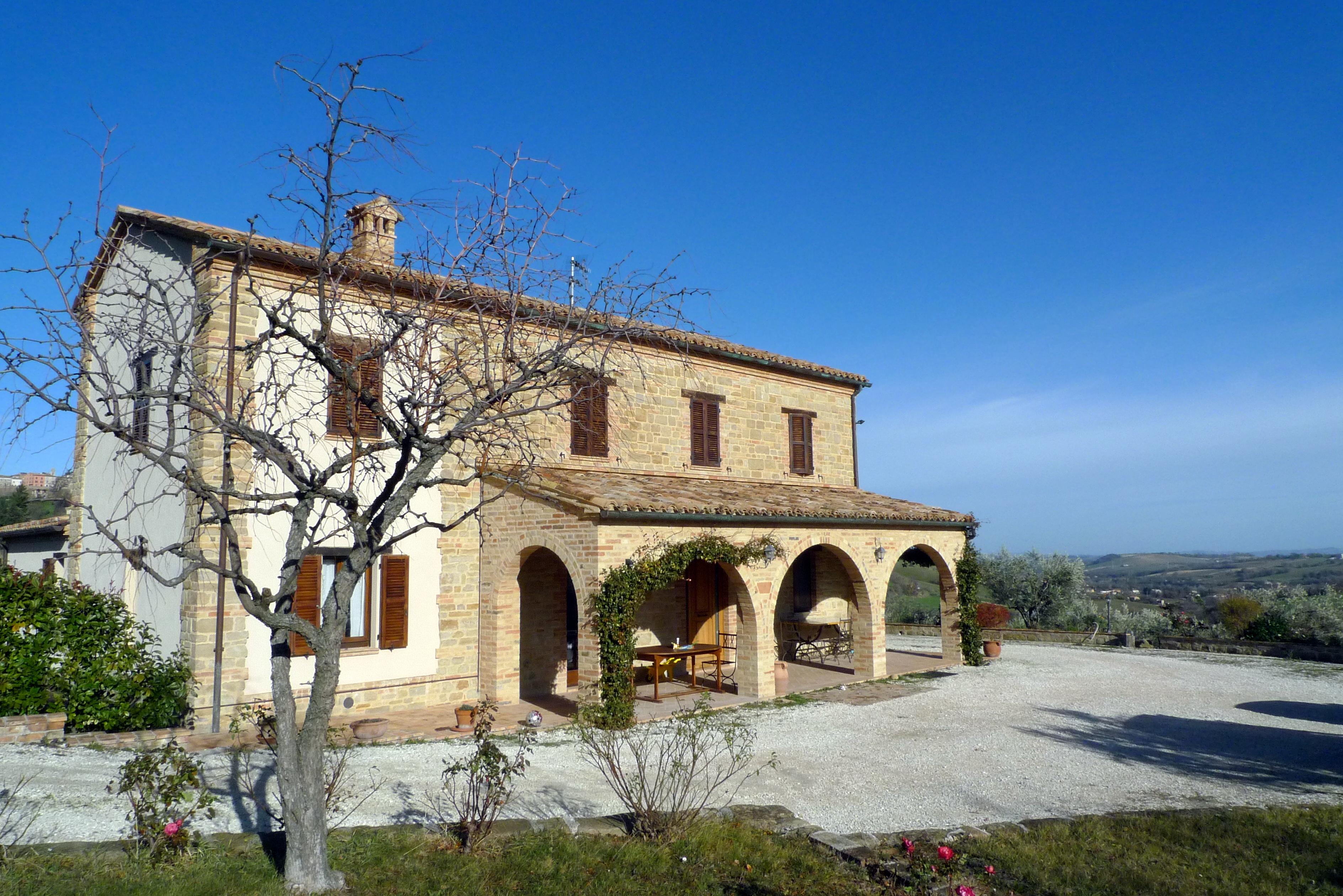 Restored farmhouse for sale in Le Marche. San Ginesio