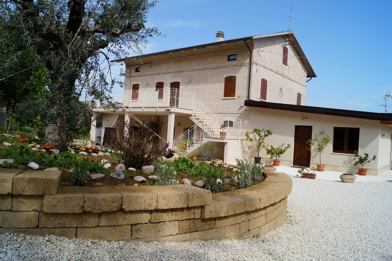 PRICE REDUCED. Lovely restored farmhouse for sale in Le Marche with certified organic land