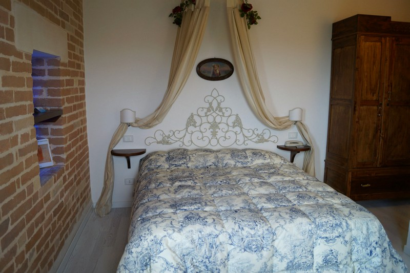 PRICE REDUCED. Agriturismo/B&B with restaurant