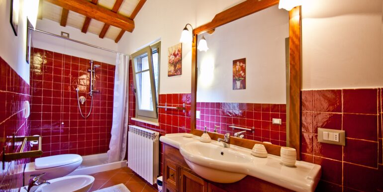 Villa/Casa per affitti turistici in vendita nelle Marche