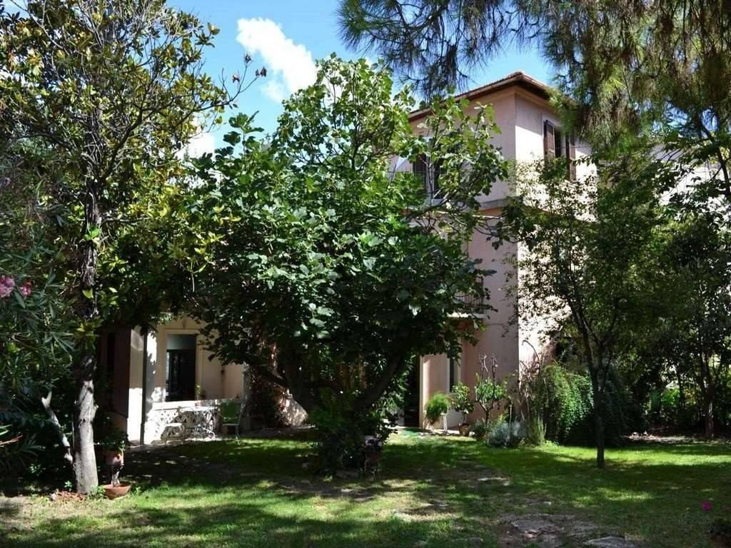 Villa abitabile in stile Liberty, Macerata - LUNGACASA