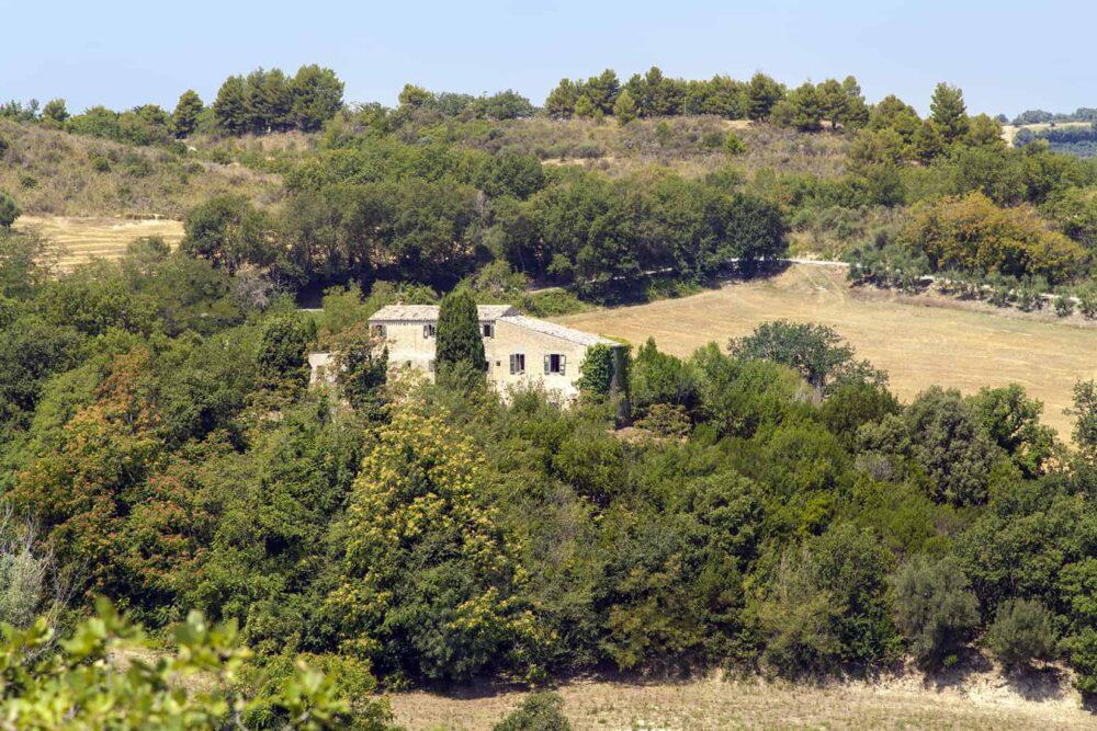 Splendido Castello/convento con terreno e vista mare
