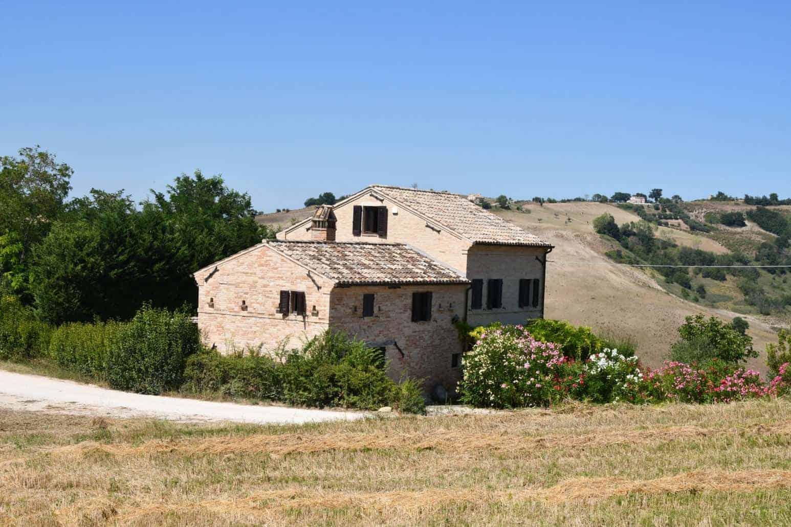 Restored countryhouse near Petritoli