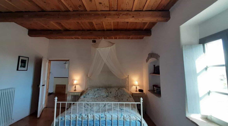 Interni-antico-casale-in-vendita-nelle-Marche-13-1740x960-c-center