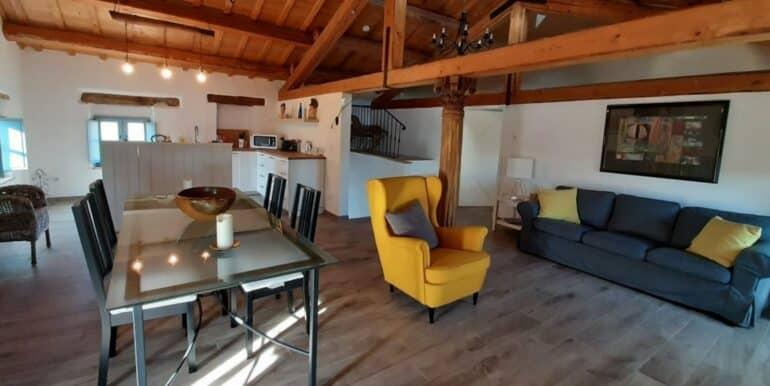 Interni-antico-casale-in-vendita-nelle-Marche-7-1740x960-c-center