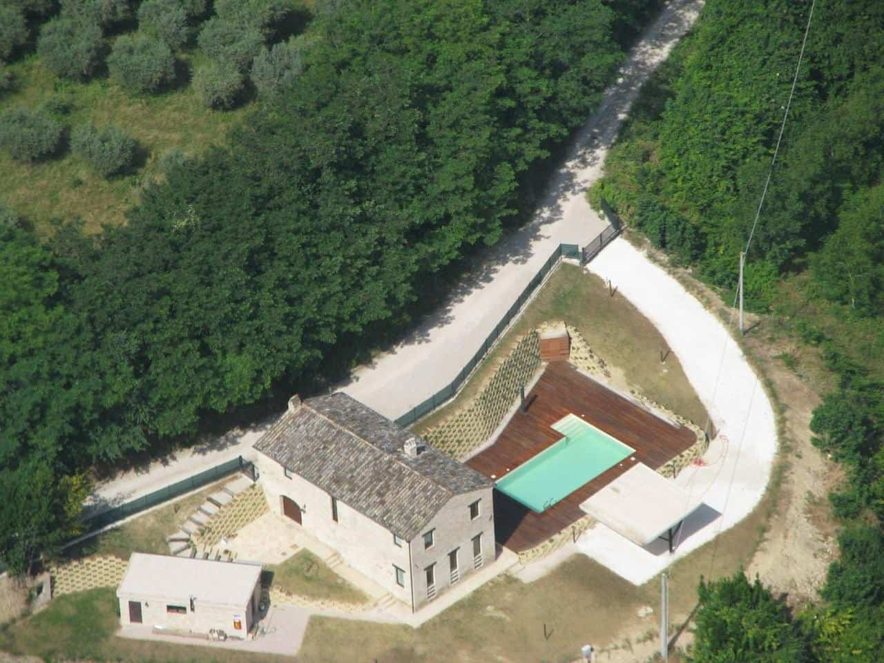 Casale ristrutturato con piscina a Monttone