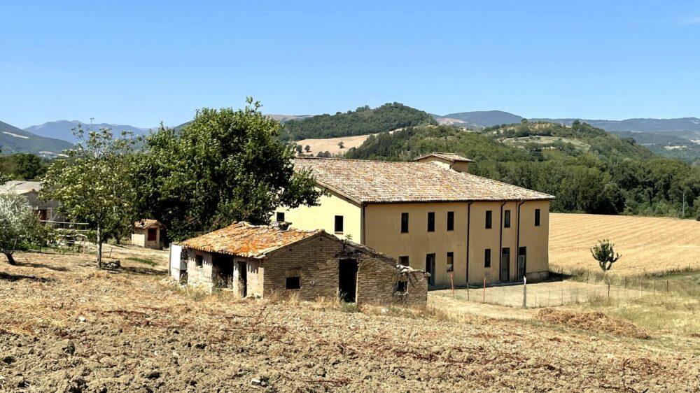 Grande proprietà di 1000mq a San Severino Marche